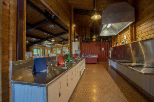 Te Anau TOP 10 Holiday Park - communal kitchen